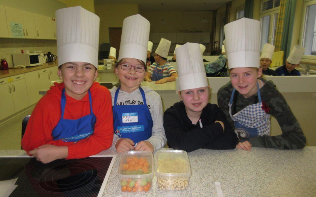 Fünftklassler wurden zu Kochlehrlingen