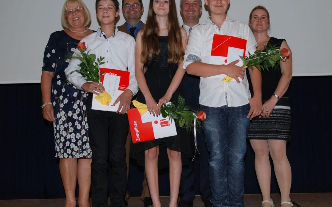 Abschlussschüler ausgezeichnet – 9