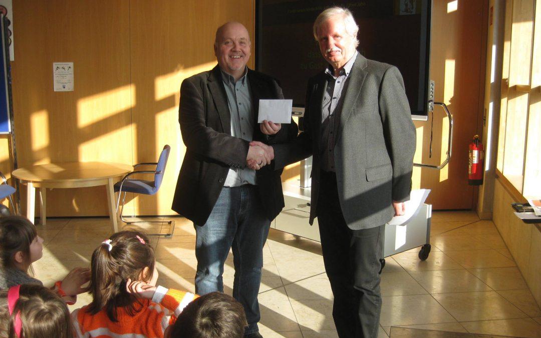 Franziska-Obermayr-Schule spendet 650 € an Kinderhilfe Ruanda